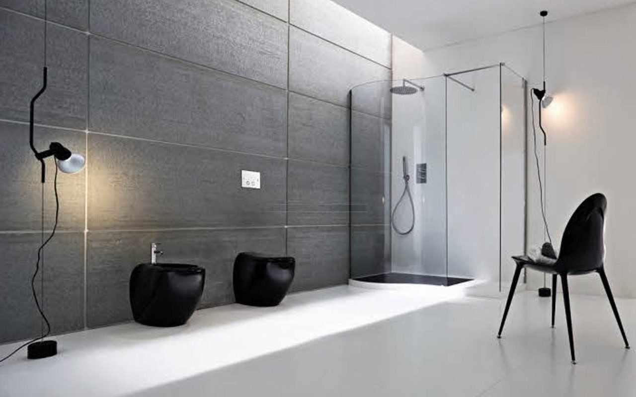 Ванная комната с душевой кабинкой