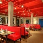 Ресторан в красном цвете
