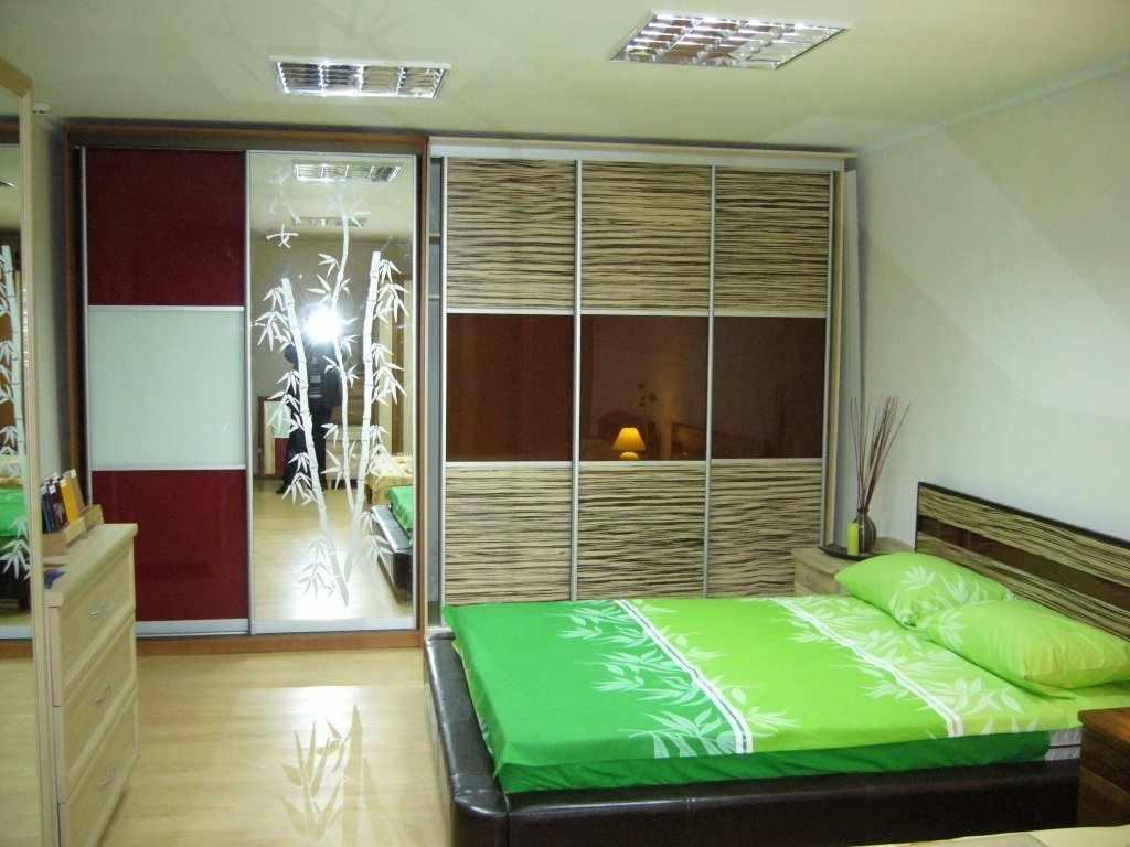 Декор спальни со шкафом