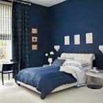Синие стены в спальне 11 кв. м.