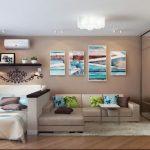 Модульная картина над диваном в гостиной
