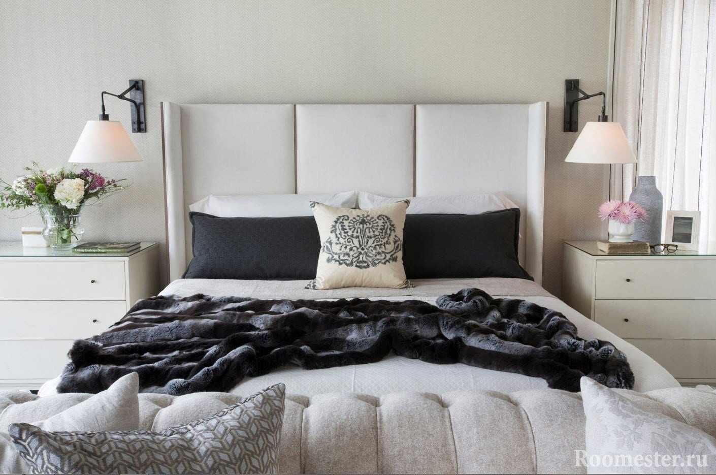 Высокое изголовье кровати