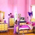Яркий спальный гарнитур
