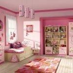 Розовый в дизайне детской