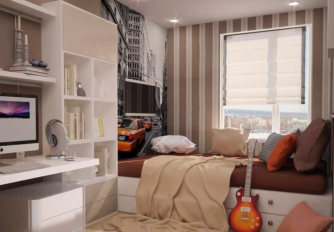 Гитара у кровати