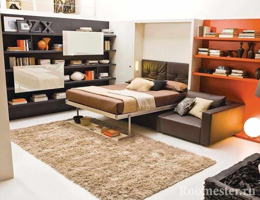 Кровать-диван с нишей в шкафу