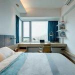 Спальня с белым интерьером