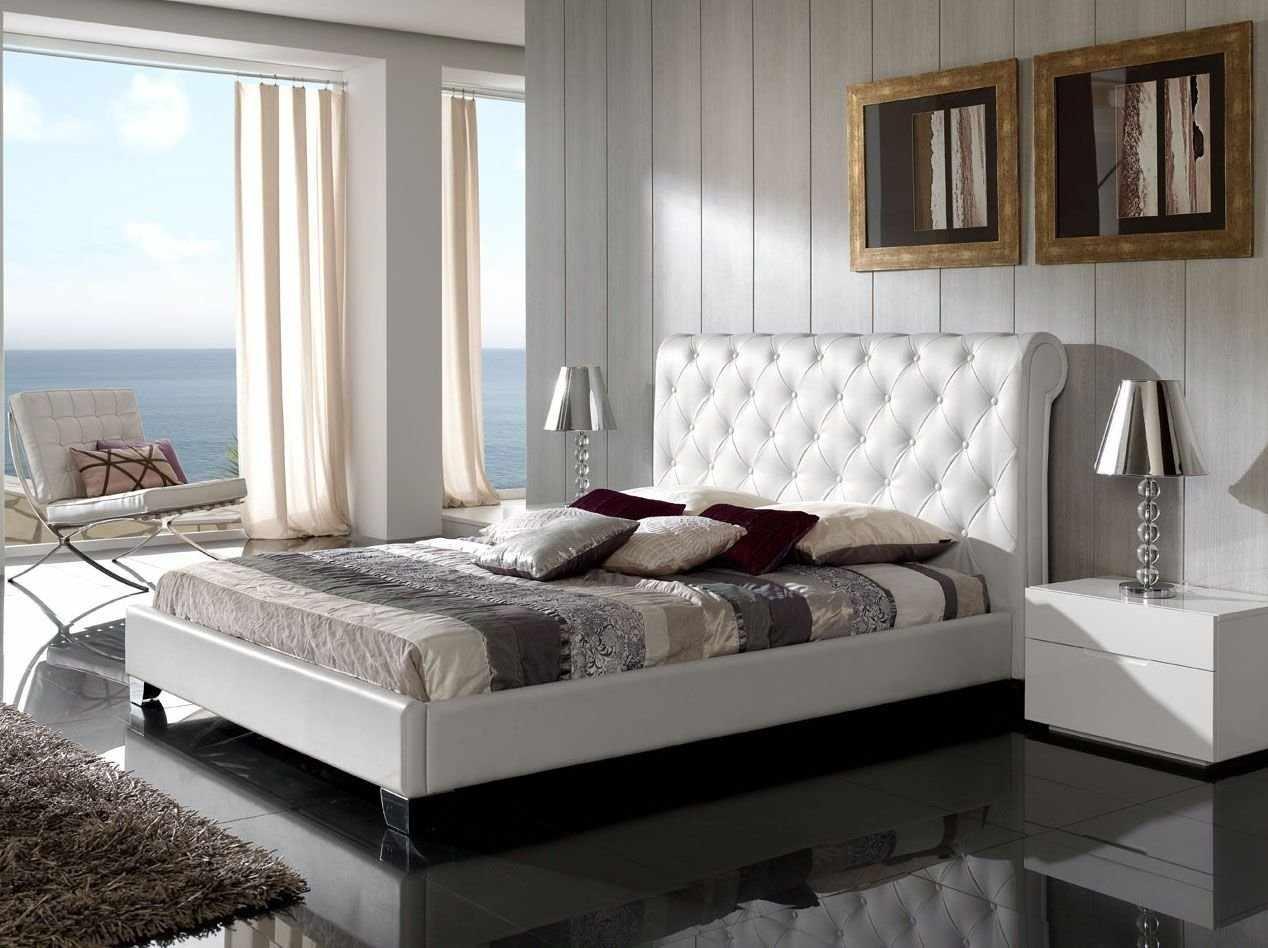 Текстиль в спальне в частном доме