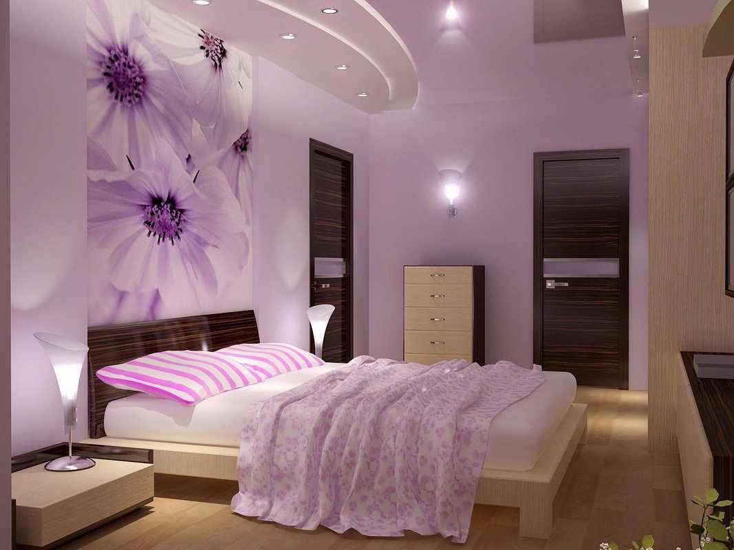 Светлая мебель в спальне с сиреневыми стенами
