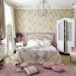 Лепнина на потолке спальни