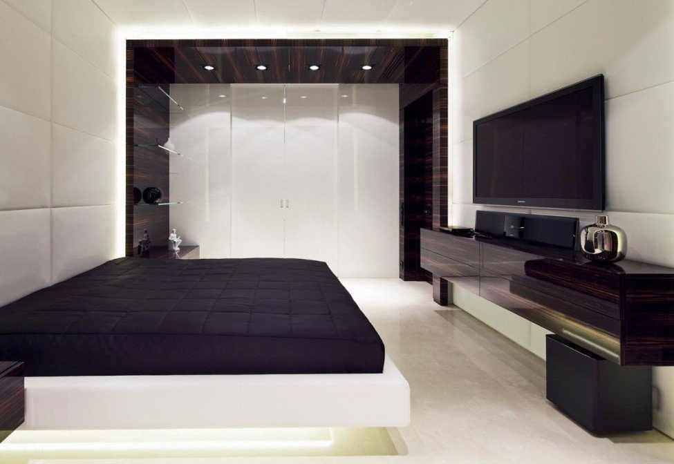 Освещение точечными светильниками в спальне в стиле хай-тек