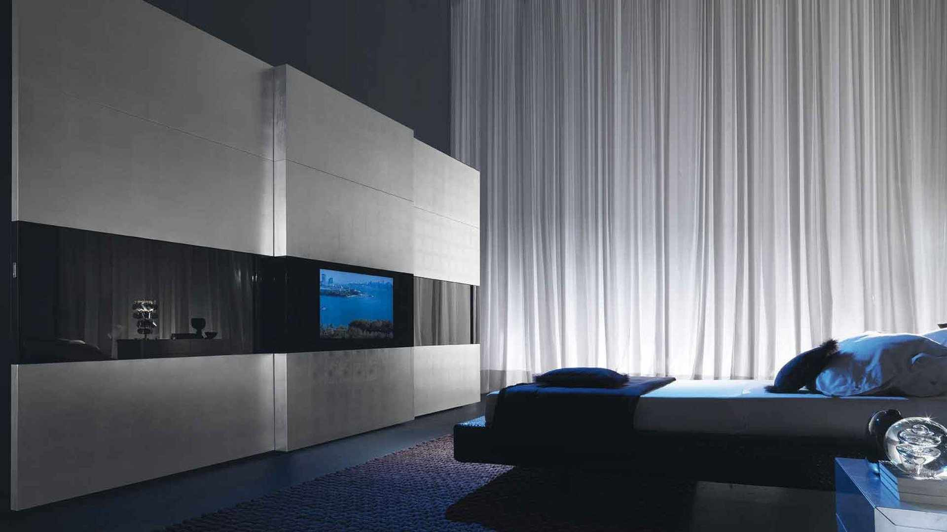 Декор в спальне в стиле хай-тек