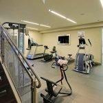 Зал для тренировок в подвале частного дома
