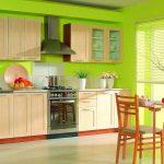 Салатовый интерьер кухни