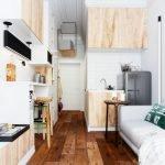 Коричневый ламинат в дизайне квартиры