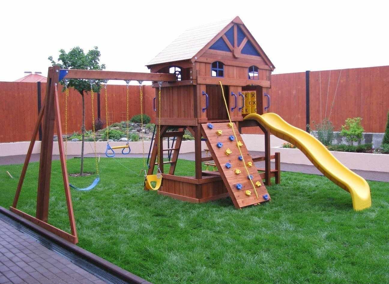 Детская площадка на участке 12 соток