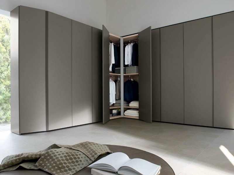 Вместительный шкаф в частном доме