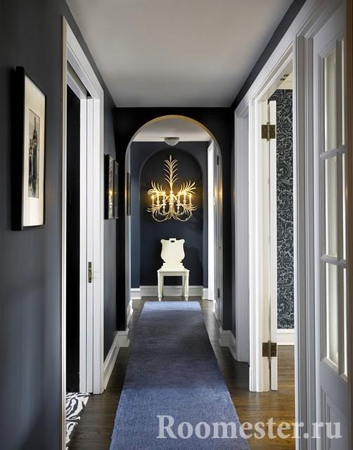 Длинный коридор в современном стиле