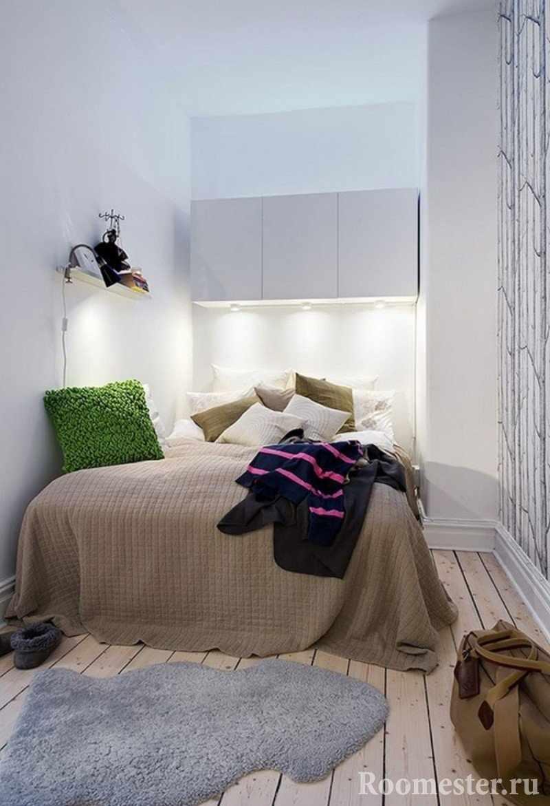 Подвесные шкафы над кроватью
