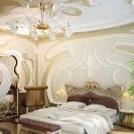 Узоры на стенах и потолке спальни