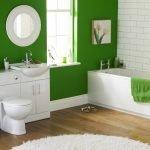 Зеленые стены в ванной
