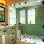 Дополнительное освещение ванной с окном