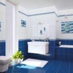 Синяя плитка на полу в ванной
