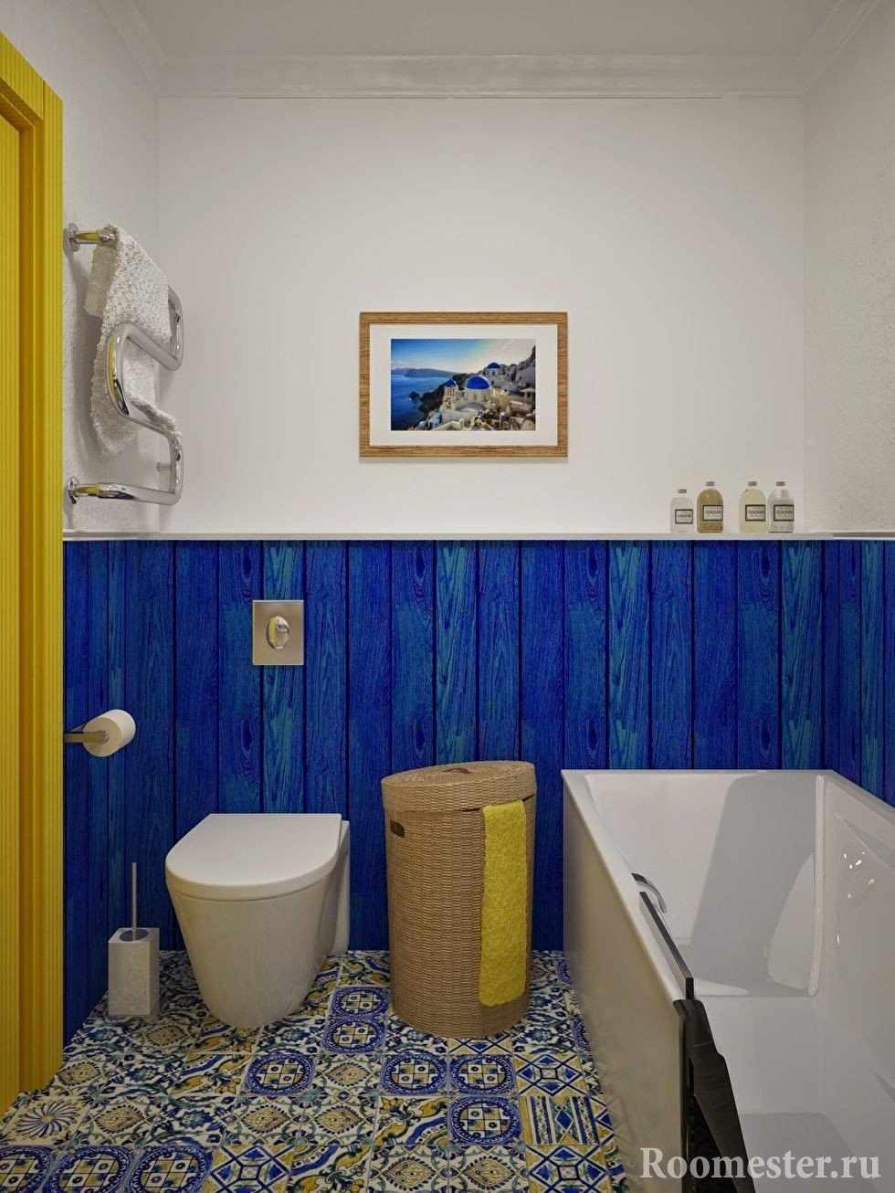 Крошечная ванна с туалетом