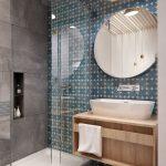 Зеркало на стене в ванной