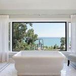 Панорамный вид из ванной комнаты