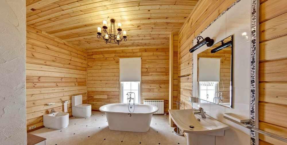 Кафельный пол в ванной в деревянном доме