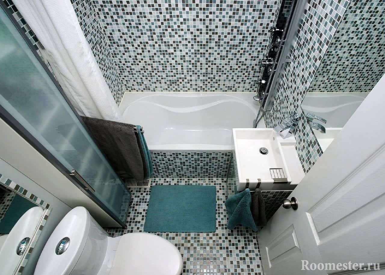 Ванная комната в панельном доме отделанная мозаикой