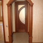 Деревянный шпон в декоре арки