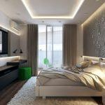 Необычные часы над кроватью
