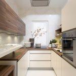 Мебель под натуральное дерево на кухне