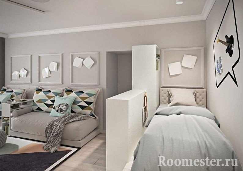 Кровать за перегородкой