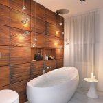 Ванная с деревянной стеной