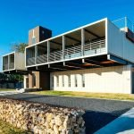 Дом из контейнеров в стиле модерн
