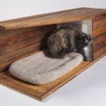 Самодельный домик для кошки из дерева