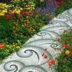 Необычная дорожка в саду
