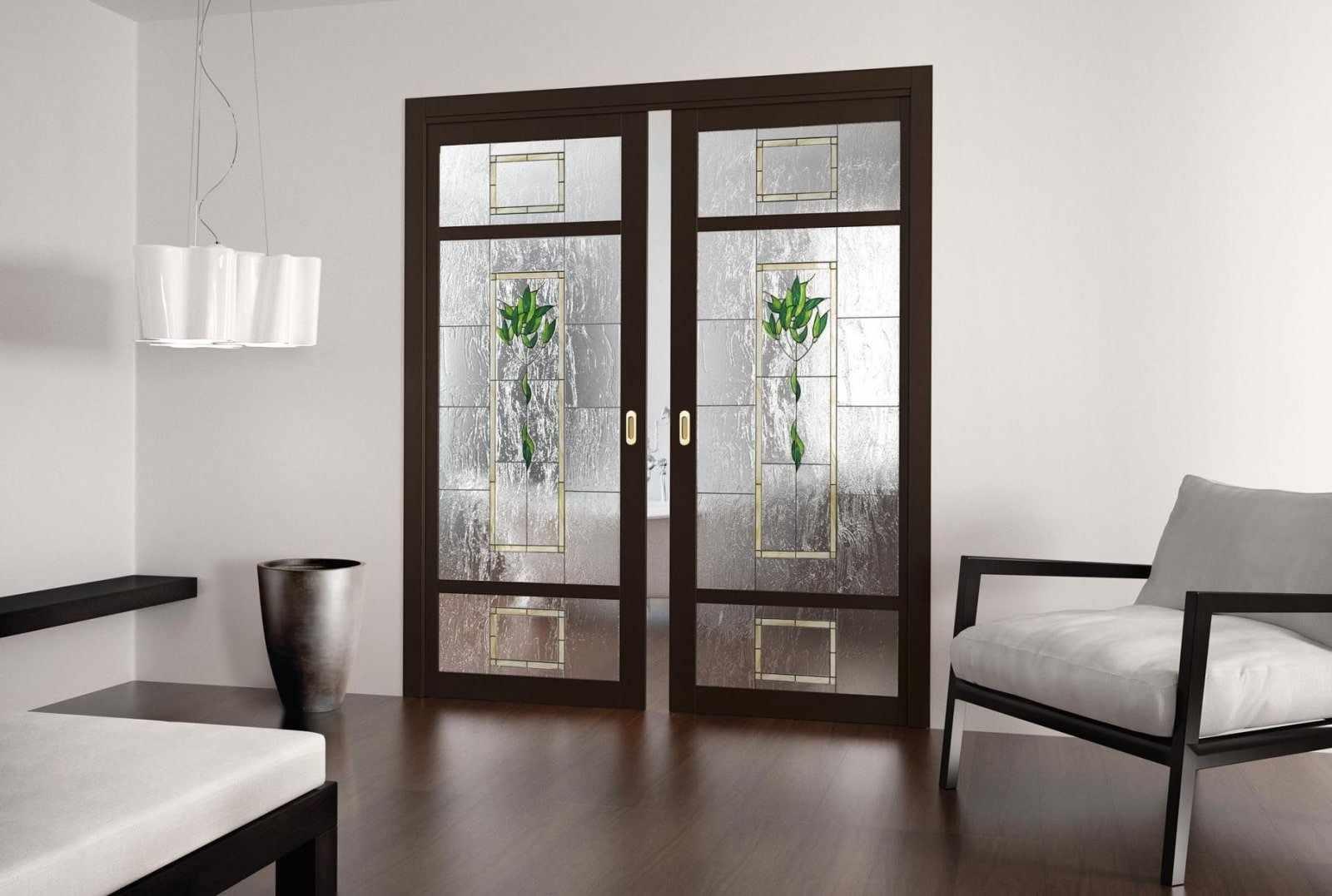 Двери в гостиной