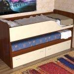 Компактная двухэтажная кровать