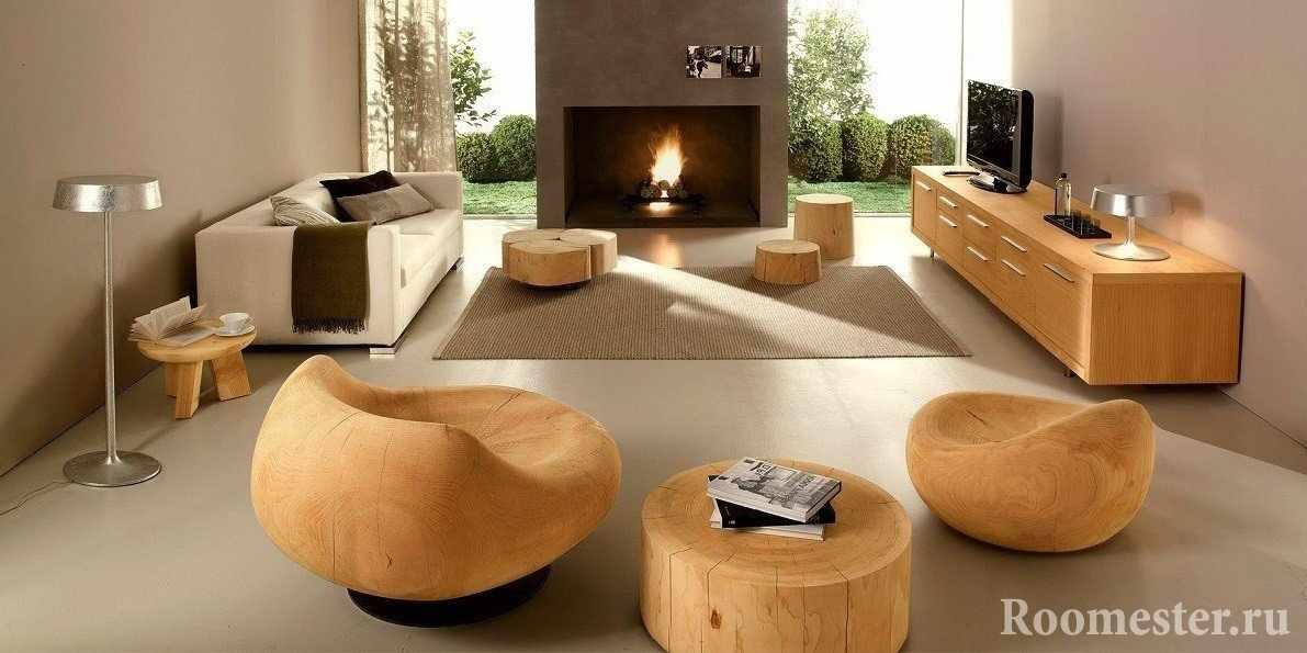 Деревянные кресла и столик из массива дерева