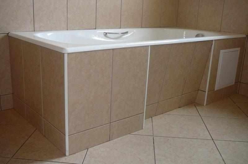 Ванна с экраном с выемкой для ног