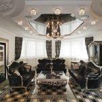 Темная мебель в светлом интерьере