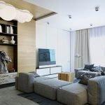 Столик из дерева и камней в гостиной
