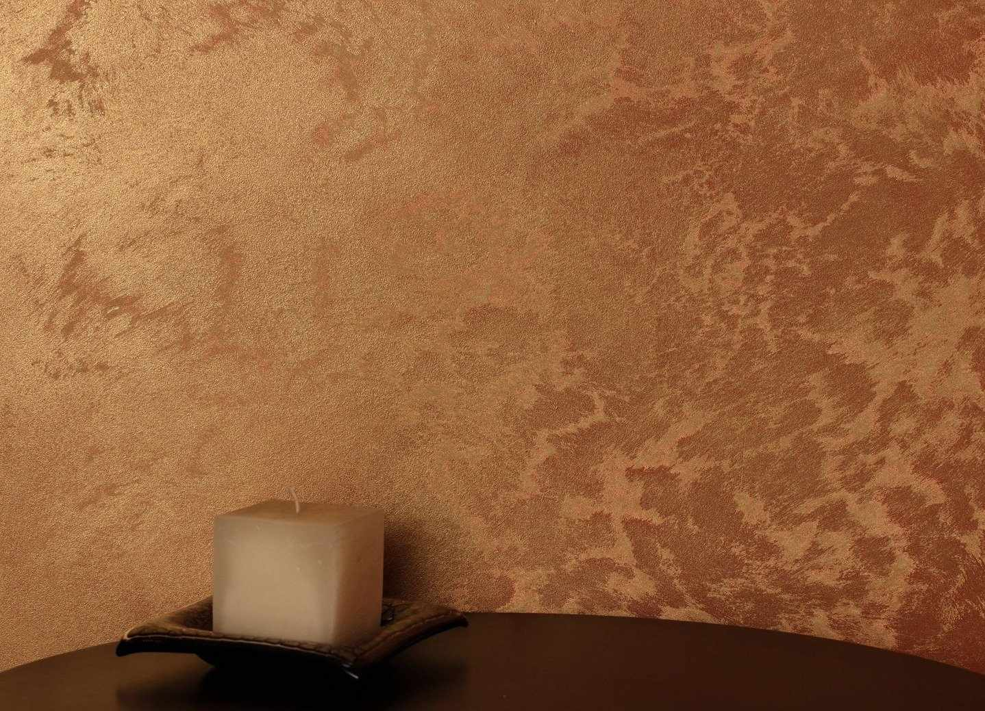 Свеча на столике