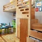 Кровать со ступеньками-ящиками
