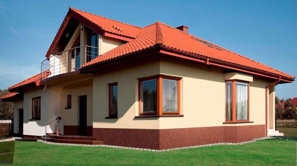 Дом с цементной штукатуркой