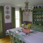 Лиловый цвет на кухне